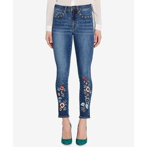 BUFFALO David Bitton Floral Embroidered Jeans
